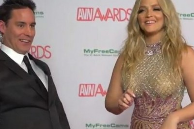 2018 AVN Awards Red Carpet Interview with Alexis Texas